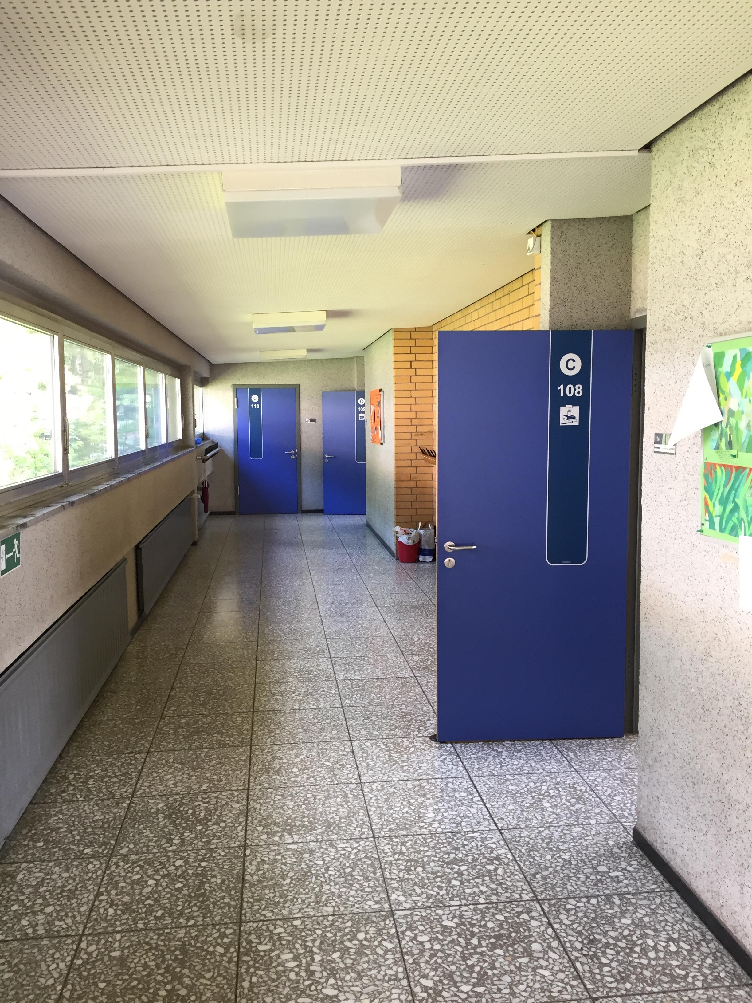 Blaue Türmarker. Einheitliches Orientieurngssystem im FLS-Design