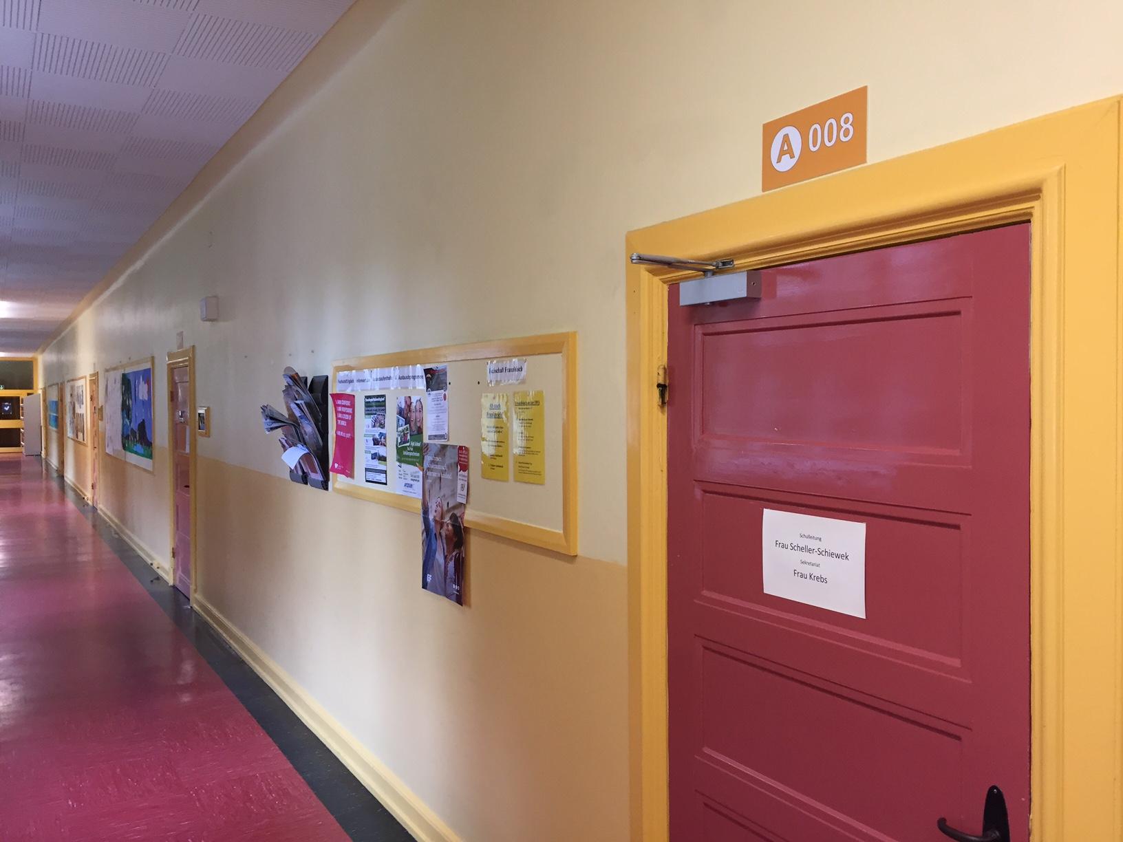 FLS-Türmarker ist ein Element des Leitsystems an der Sachsenwaldschule in Reinbek.